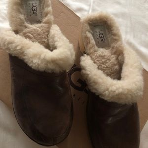 Women's Ugg clogs size 9